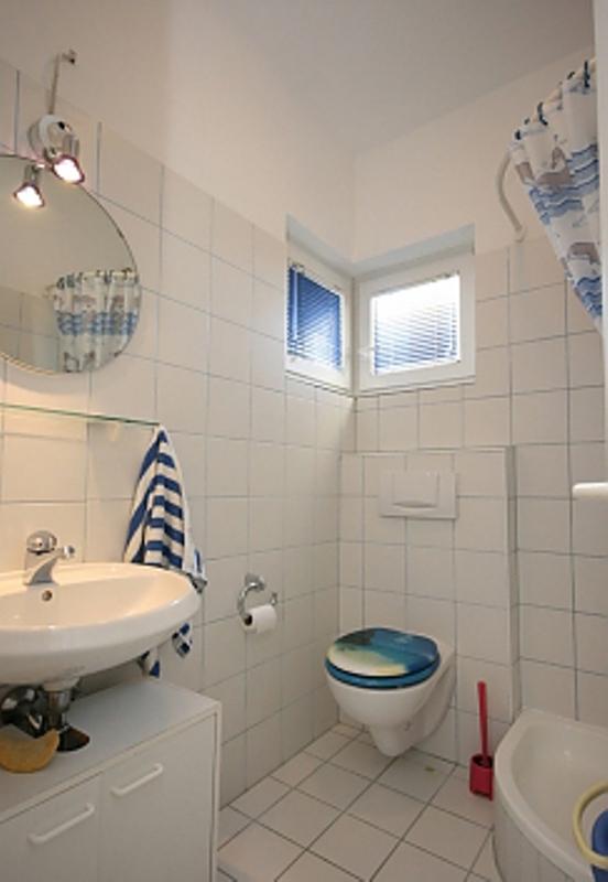 Ap.-1-Badezimmer