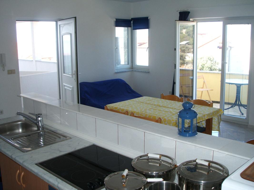 Ap.-5-Küche-und-Wohnzimmer