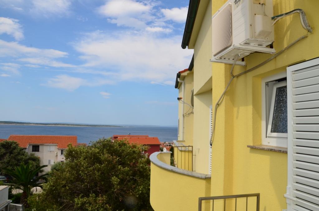 Ap.-5-hinterer-Balkon