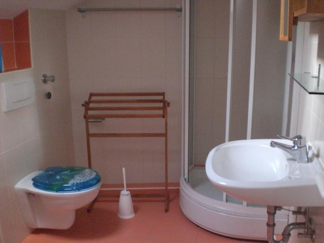 Ap.-7-Badezimmer