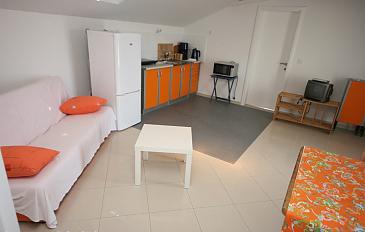 Ap.-7-Küche-und-Wohnzimmer