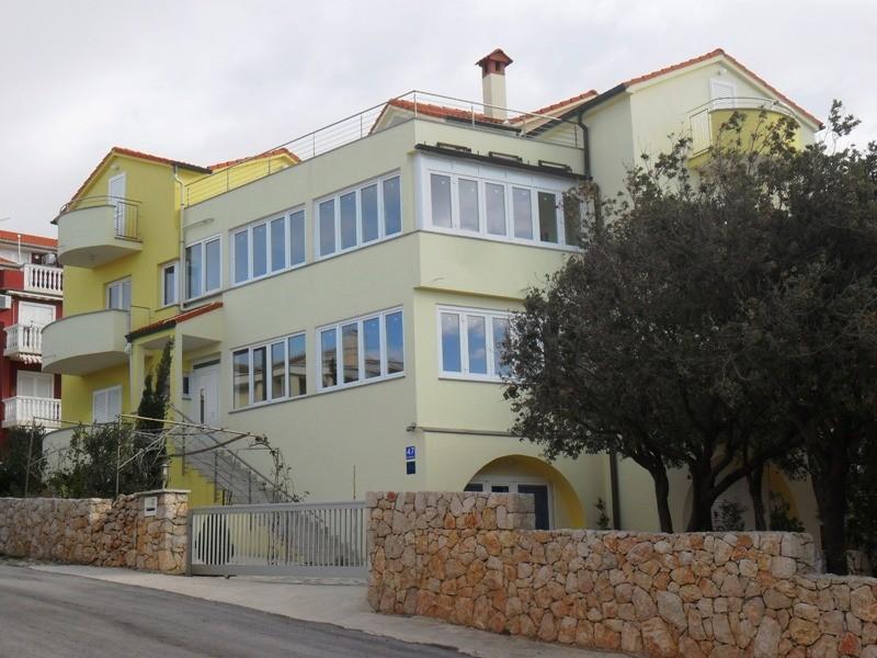 Haus mit Fensterfront